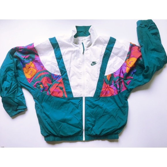 Nike Jackets   Coats   Vintage Retro Windbreaker Jacket   Poshmark f0f393235f74